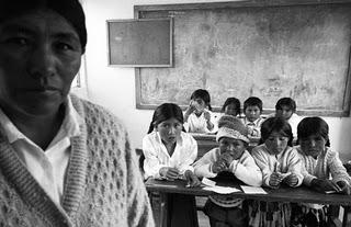 El nuevo modelo educativo: Exclusión y violación de los derechos de los pueblos originarios