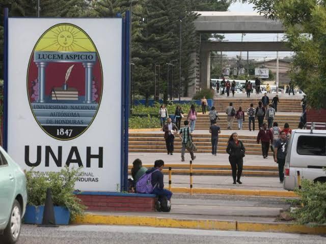 """""""UNAH te queremos pública"""": La defensa de la universidad pública en Honduras"""