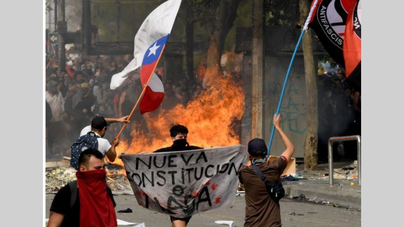 La Guerra contra la Democracia: El imperialismo contra las Fuerzas de la Historia